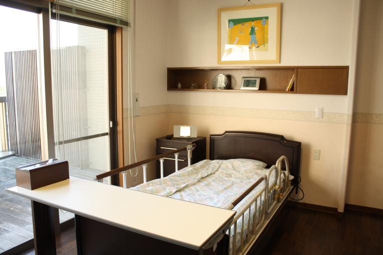 ごゆっくりお休みになれる、電動3モーターベッド